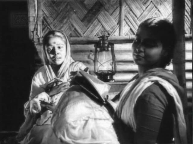 Gita Dey and Supriya Chowdhury from a scene in Ritwik Ghatak's Meghe Dhaka Tara